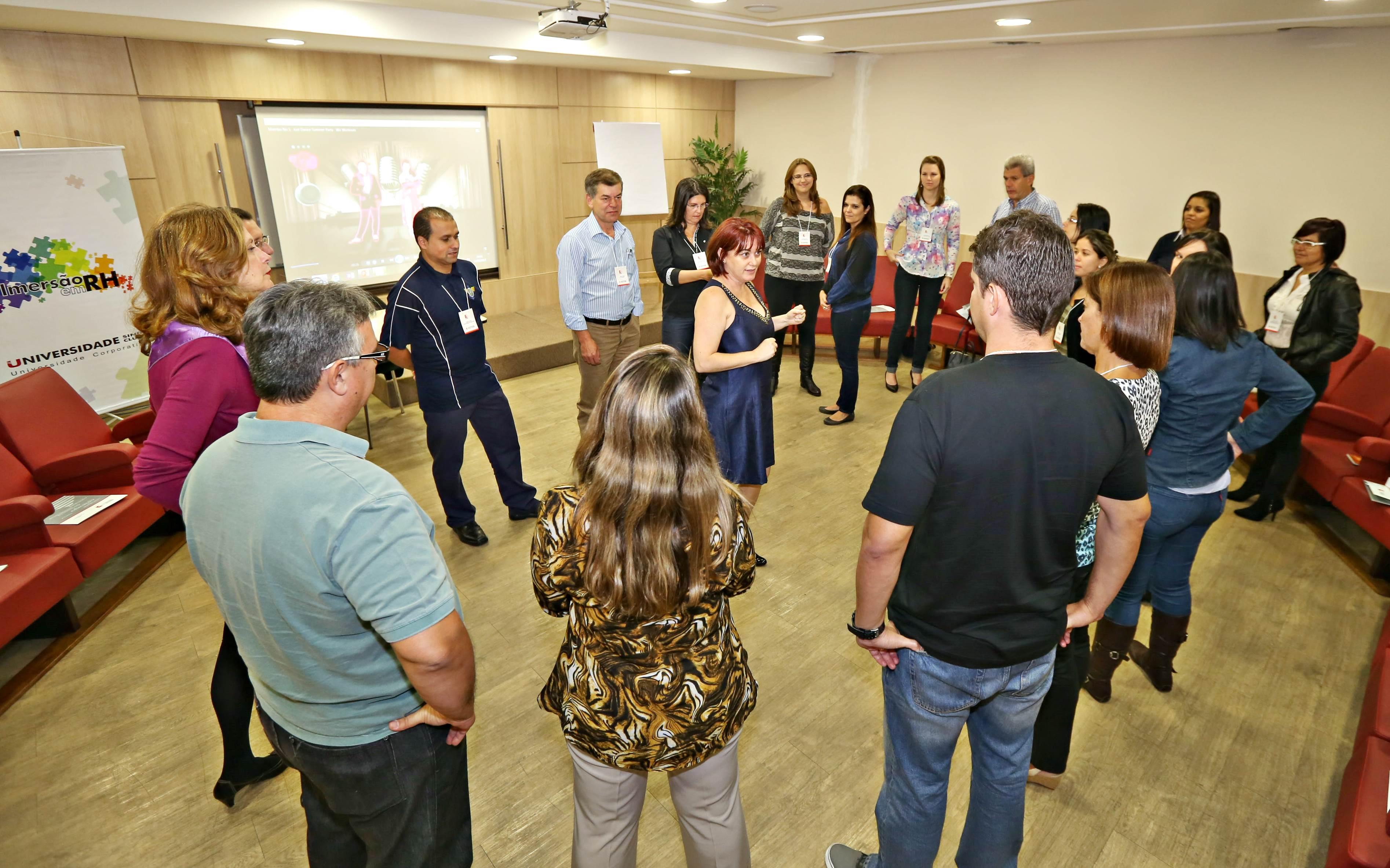 Gestores de recursos humanos participaram de dinâmicas de grupo