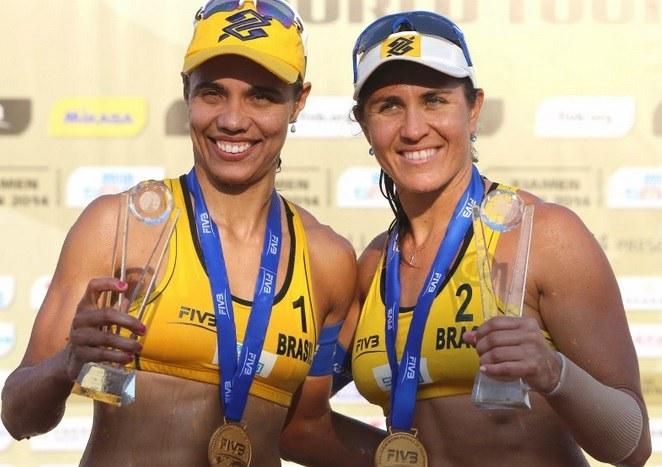 Juliana e Maria Elisa: título no Circuito Mundial (Foto: CBV/Divulgação)